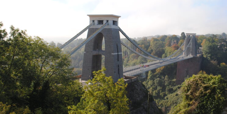 A picture of the Clifton Suspension Bridge in the daytime